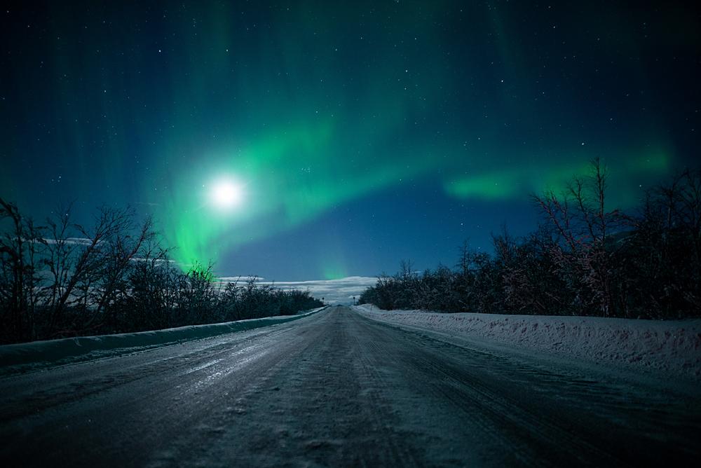 hazalishere_wordpress_northernlights_by_mick_chasing_lights_2.jpg